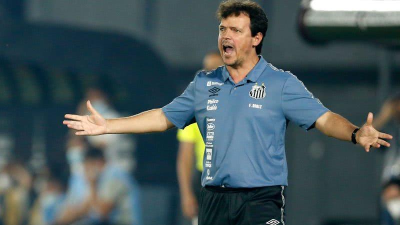 Fernando Diniz se apresenta ao Vasco nesta segunda-feira